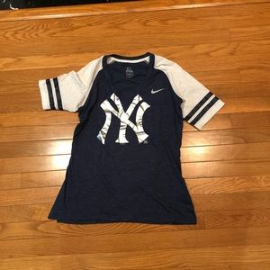 New York Yankees Nike women's Tee  size medium